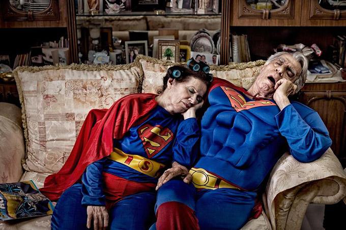 Супермэн и Супервуман - Тереза и Галиб, Ливан. Автор фото: Martin Beck.