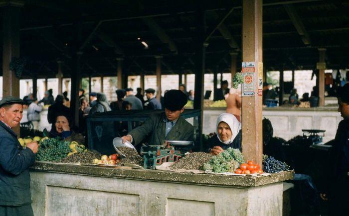 Рынок в Крыму. Автор: Martin Manhoff.