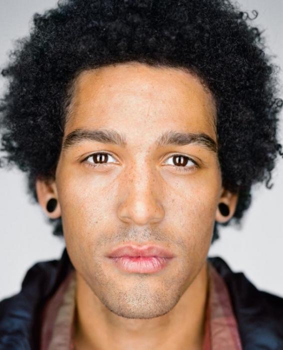 Тэван Джонс, 22 года. Расово-национальная принадлежность: Белый, афроамериканец.