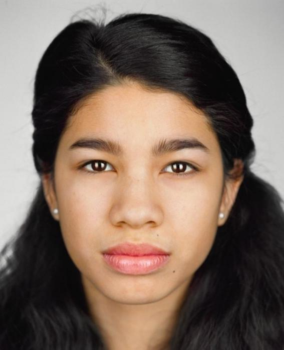 Ариэль Тул, 14 лет. Расово-национальная принадлежность: Белая. чёрнокожая, вьетнамка.