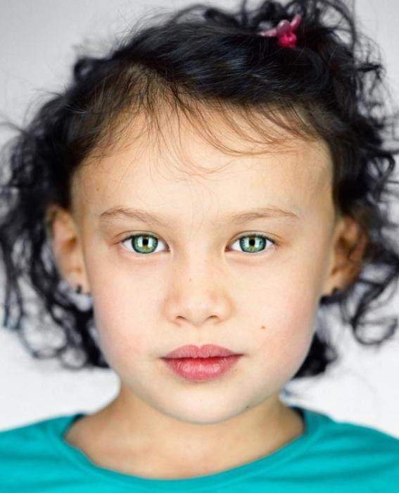 Габриэлла Гуиццо, 5 лет. Расово-национальная принадлежность: Белая, японка.