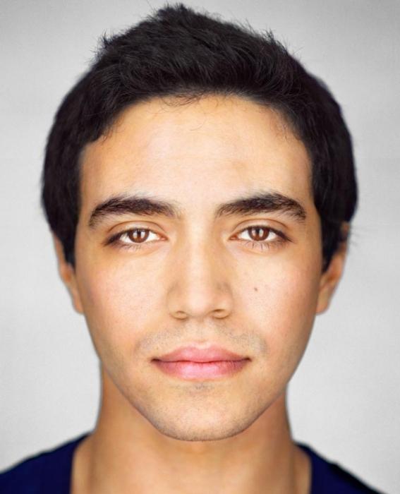 Гарольд Фиш, 23 года. Расово-национальная принадлежность: Пуэрториканец, техасец. еврей, европеец.