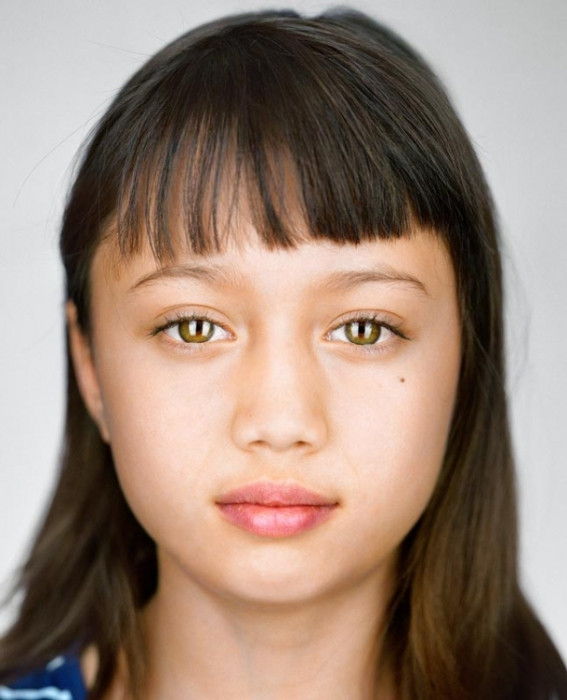 Лула Ньюман, 7 лет. Расово-национальная принадлежность: Белая, китаянка, валлийка, полька, немка.