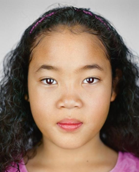 Майя Джои Смит, 9 лет. Расово-национальная принадлежность: Чёрнокожая, кореянка, афроамериканка.