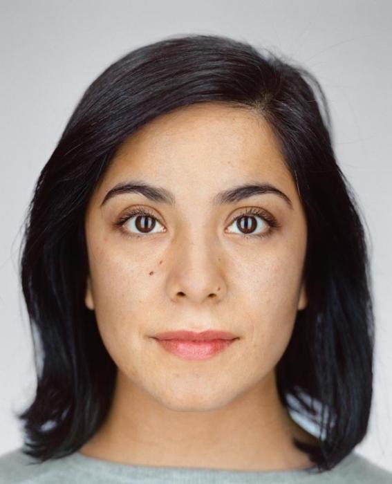 Мариям Найери, 33 года. Расово-национальная принадлежность: Мексиканка, потомок уроженцев Саудовской Аравии.