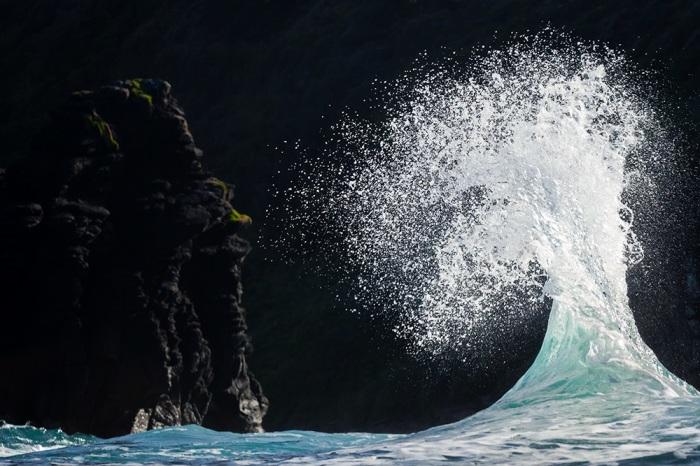 Океан против Земли. Автор: Matt Burgess.