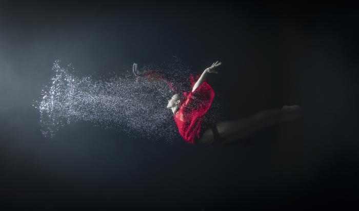 Майя Алмейда (Maya Almeida). Дождь, Серия подводный танец, цифровая фотография, 2013 год.