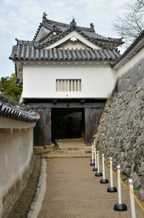 Ворота замка Химэдзи. \ Фото: ancient.eu.