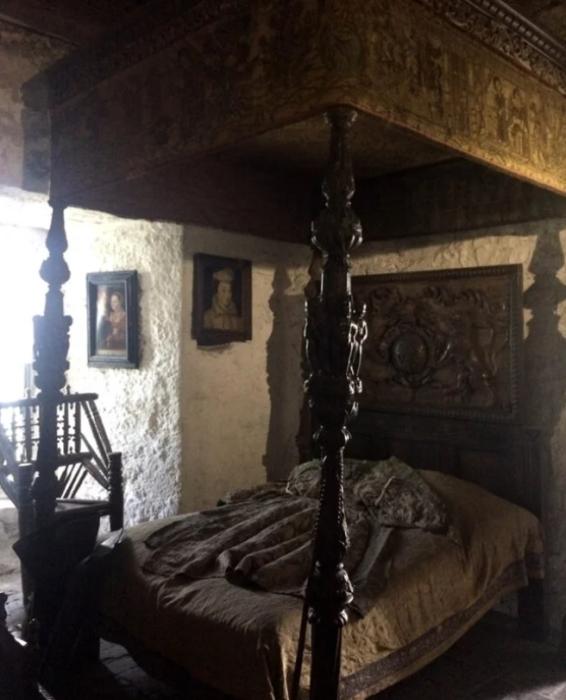 Спальня замка Банратти. \ Автор фото: Frances Dilworth.