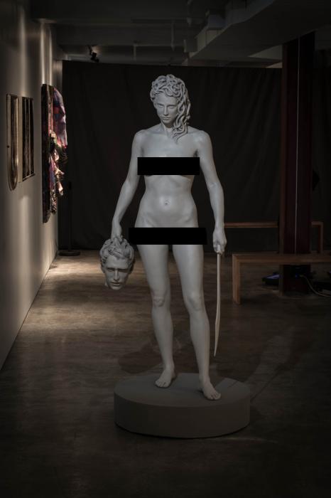 Медуза с головой Персея, Лучано Гарбати, 2008 год. \ Фото: twitter.com.