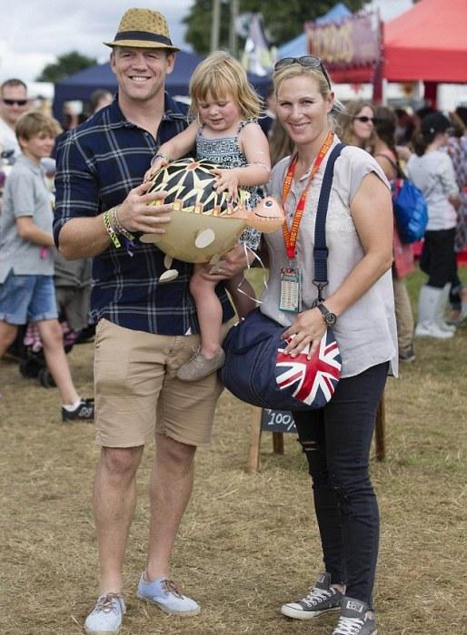 Мия с родителями посетили фестиваль на Котсуолдсе.