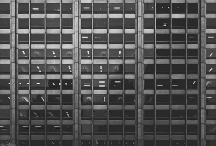 Окна (Windows). Автор работ: фотограф Майкл Солсбери (Michael Salisbury).