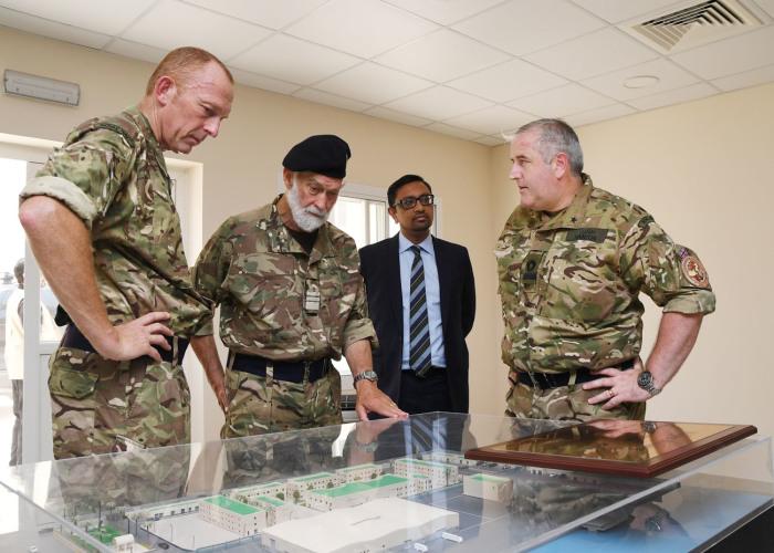 Даже сегодня принц не забывает о военной карьере. / Фото: royalnavy.mod.uk.