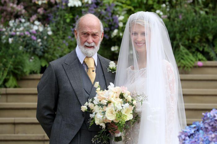 Майкл со своей дочерью в день её свадьбы. / Фото: standard.co.uk.