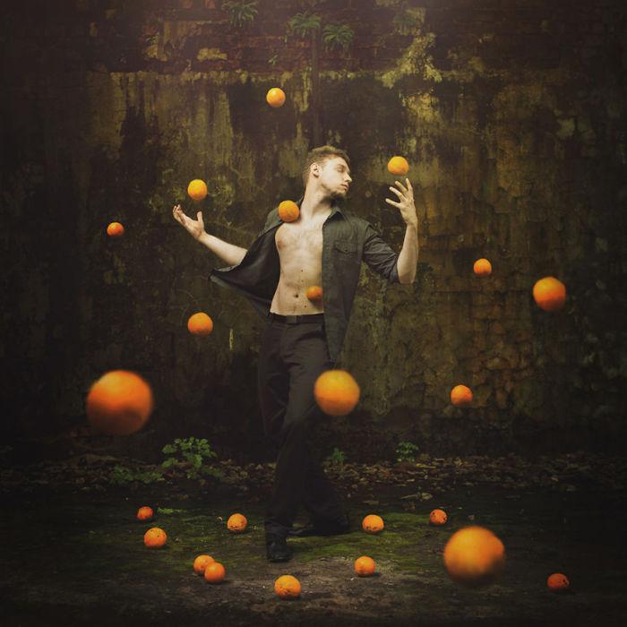Апельсиновая вселенная (Orange Universe). Автор работ: Михаил Захорнаки (Michal Zahornacky).