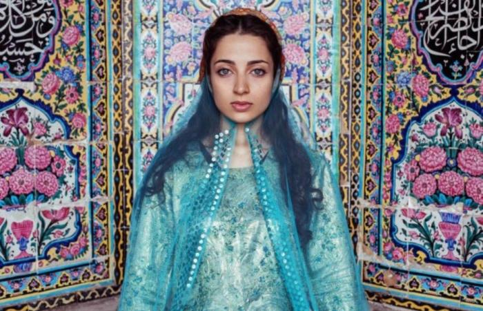 Женщина в Ширазе, Иран. Автор: Mihaela Noroc.