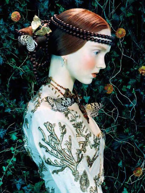Великолепные работы  фэшн-фотографа Майлза Олдриджа (Miles Aldridge). Модель Лили Коул для Vogue Италия.