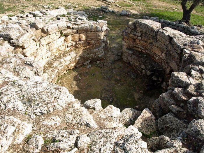 Минойский толос в Месаре, Крит. \ Фото: pinterest.es.