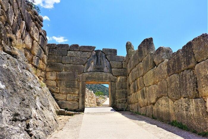 Львиные ворота, главный вход в цитадель в Микенах. \ Фото: de.m.wikivoyage.org.