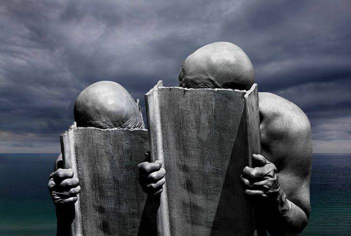 Отчуждённость.  Фотохудожник Миша Гордин (Misha Gordin).