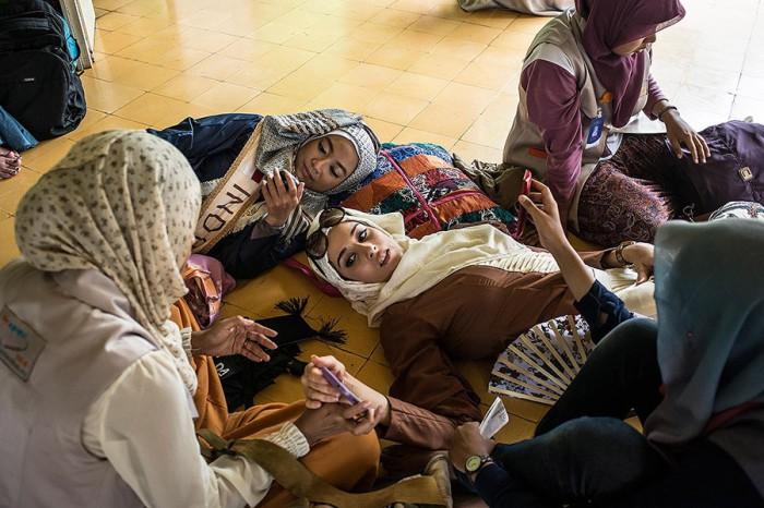 Фатма Бен Гуэфраке отдыхает после молитвы в мечети. Автор фото: Monique Jaques.