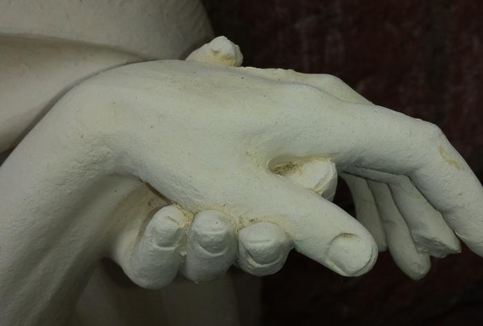 Гипсовый слепок руки. \ Фото: