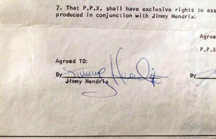 Автограф Джими Хендрикса. \ Фото: msn.com.