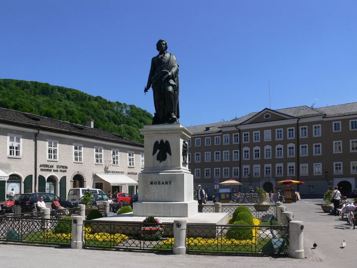 Памятник Моцарту в Зальцбурге. \ Фото: commons.wikimedia.org.