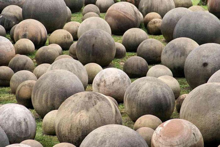 Каменные шары Коста-Рики. \ Фото: veles.site.