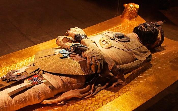 Мумия Тутанхамона. \ Фото: kingtutone.com.
