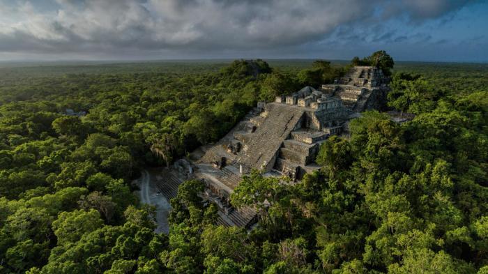 Пирамиды Майя. \ Фото: nationalgeographic.com.