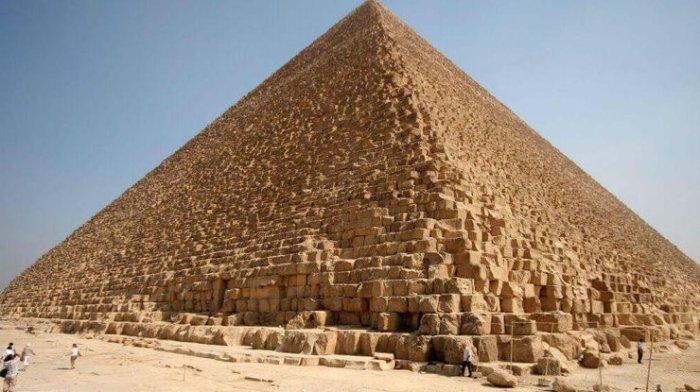 Великие пирамиды. \ Фото: podrobnosti.ua.
