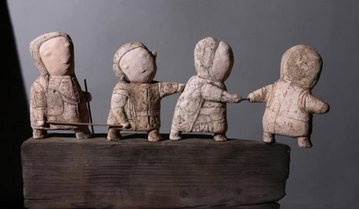Скульптурная композиция по мотивам картины  Брейгеля «Слепые». Автор: Ната Попова.