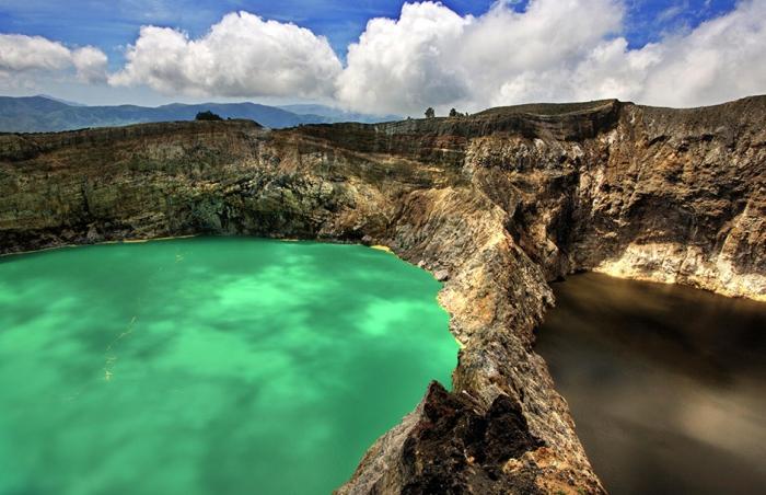 Келимуту — вулкан  с тремя кратерными озерами на индонезийском острове Флорес.Автор фото: Neils Photography.