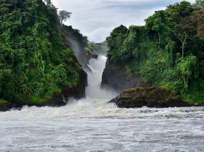 Водопад Мерчисон, Уганда. \ Фото: flipboard.com.