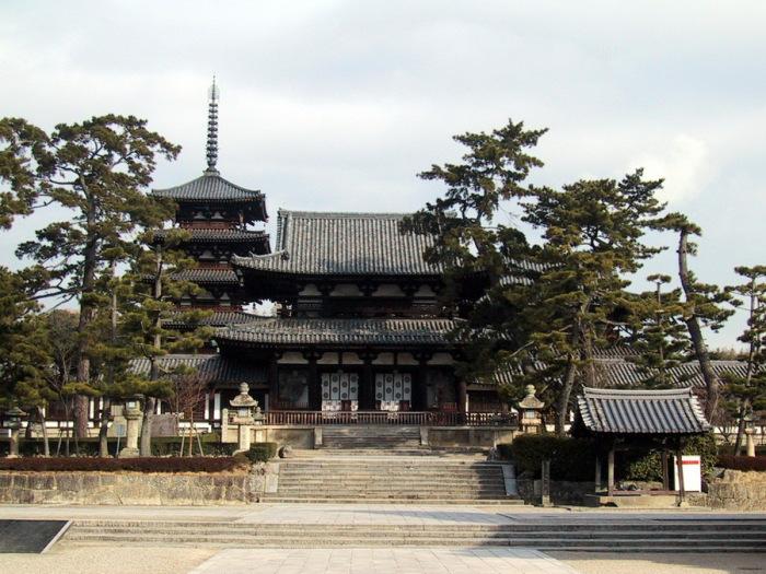 Храм Хорюдзи в Наре.