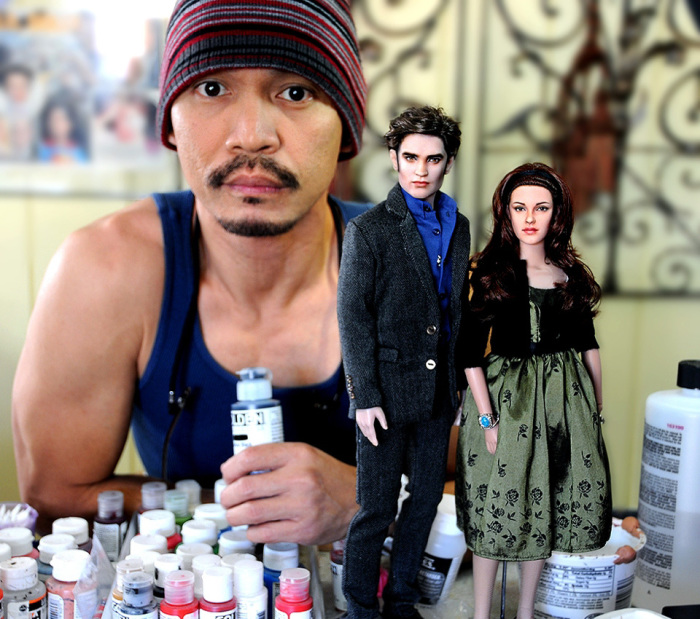 Ноэль Круз с куклами героев фильма «Сумерки». Автор: Noel Cruz.