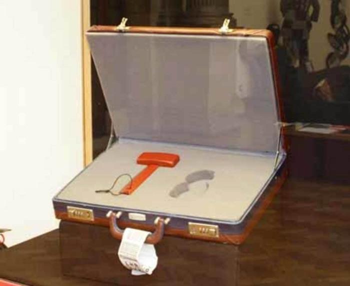 Набор для репатриации. Фотограф: Jason Hall, 2006 год. \ Фото: blogspot.com.