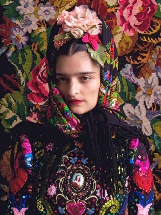 Образ Фриды Кало в исполнении модели Александры Лидтке. Автор: Peter Olschinsky.