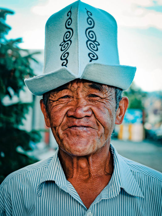 Мужчина в колпаке. Автор: Omar Reda.