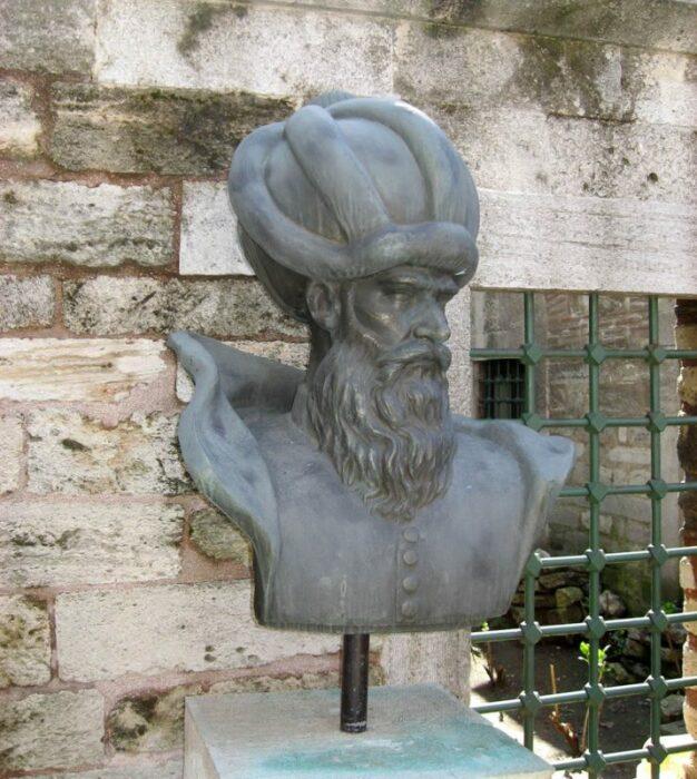 Бюст Мимара Синана в Стамбуле.  Фото: pinterest.ru.
