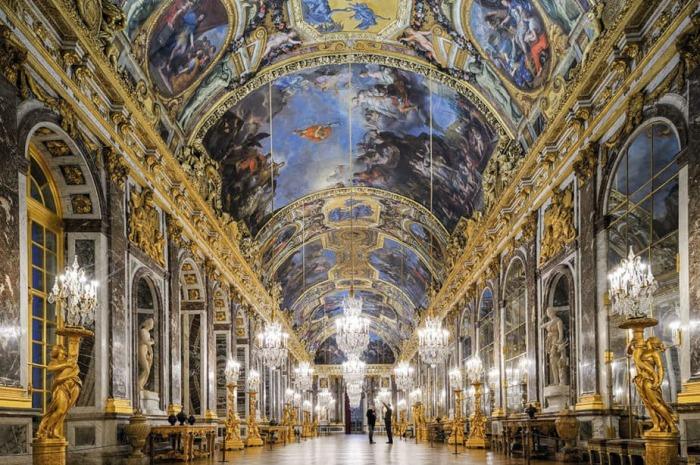 Залы Версаля.