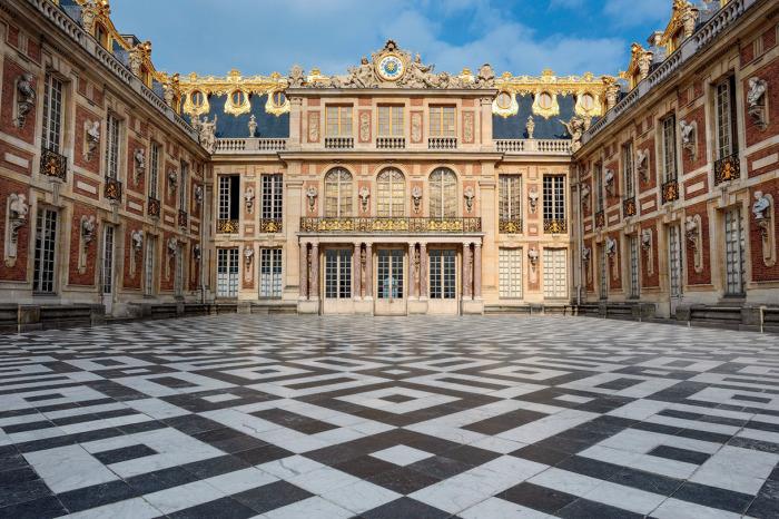 Роскошный и величественный Версаль.