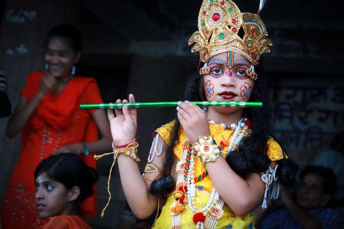 Мальчик одетый как Кришна, Варанаси, Индия. Автор: Pascal Mannaerts.