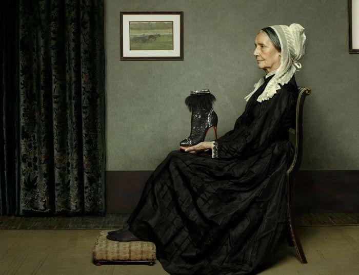 Снимок сделан специально для коллекции Кристиана Лабутена. Современный фотограф: Питер Липпманн (Peter Lippmann).