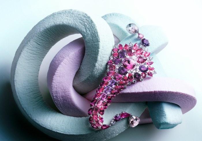 Тутти-фрутти. Снимок создан специально для коллекции украшений Картье (Cartier's Art Deco Jewelry). Современный фотограф: Питер Липпманн (Peter Lippmann).
