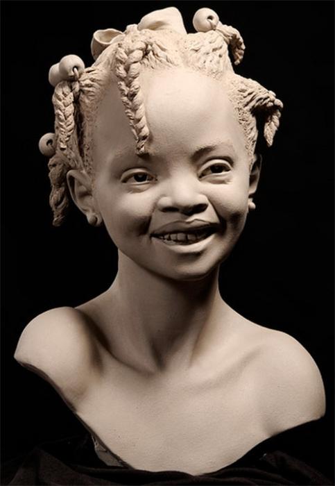 Девочка из племени. Автор: Philippe Faraut.