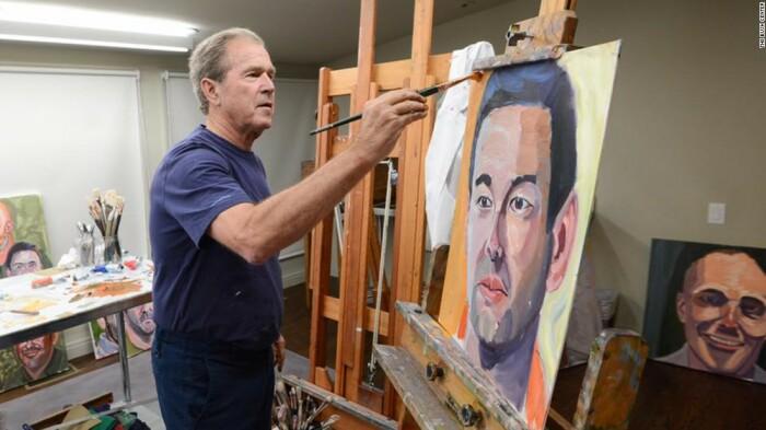 Джордж Буш-младший пишет портрет. \ Фото: edition.cnn.com.
