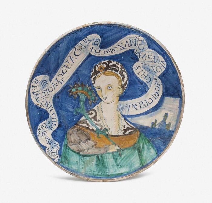 Майолика, оформленная в стиле историато. \ Фото: christies.com.