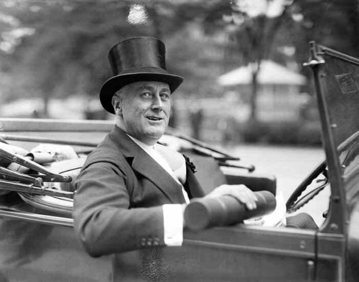 Франклин Рузвельт в автомобиле на прогулке. \ Фото: time.com.